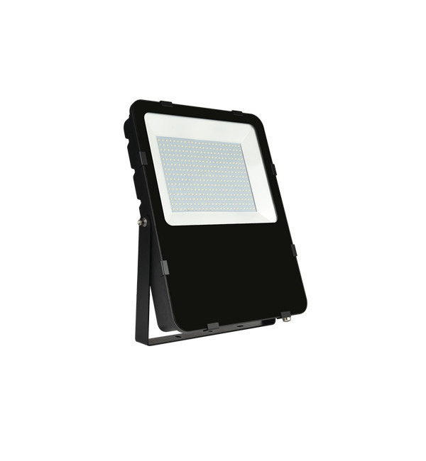 LED REFLEKTOR 150W SMD IP65 5500K 230V 13500LM